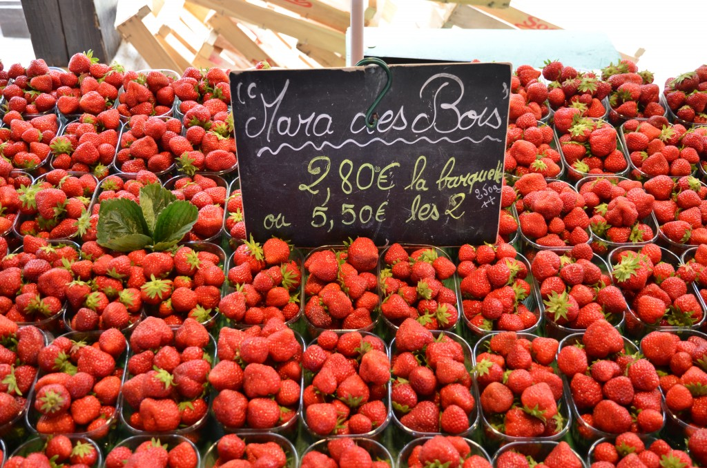 The berries of the Mara des Bois plant are a treasure to be found only at farmer's markets. Photo by Gabriella Pirisi / misspirisi.com
